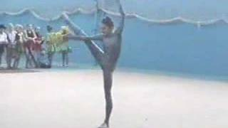 Snake Dance - Flexible girl