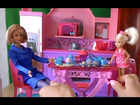 Видео с куклами, серия 378, Джессика и Келли пекут кексики ...