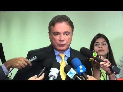 Questionamentos a Antonio Patriota