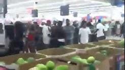 Thug Riot at Walmart Supercenter in Jacksonville, Florida