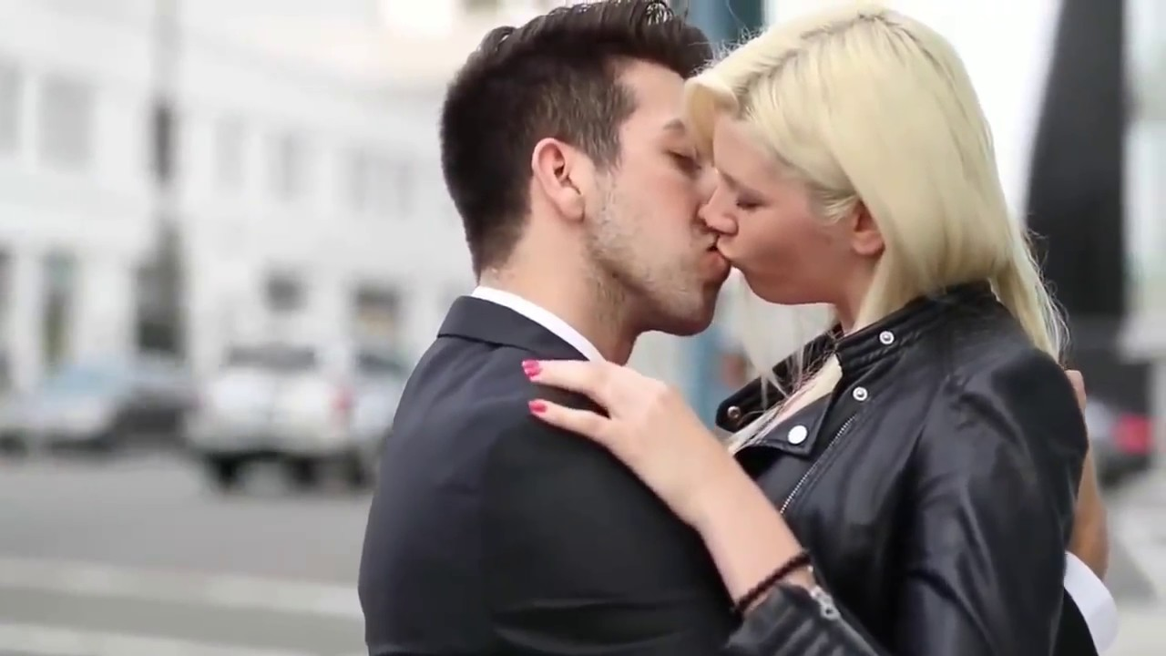 World most Sexy Hotest kiss - YouTube