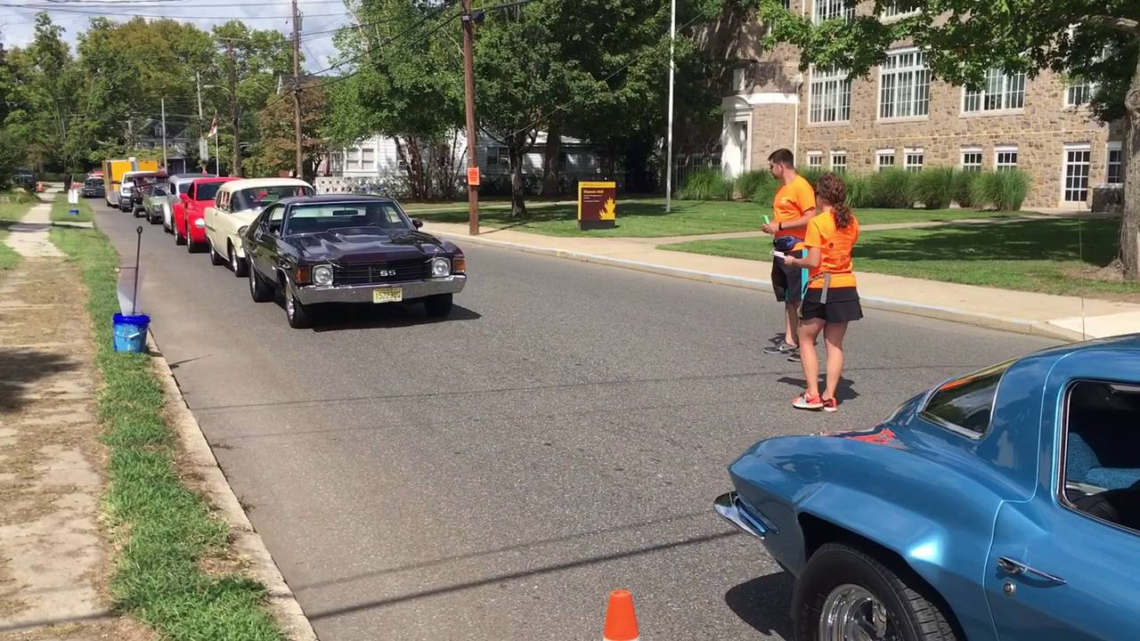 The line of cars entering the the 12th Annual Car Show and Food ...