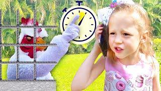 Nastya bermain sebagai penjual es krim