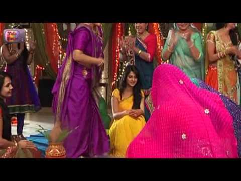 Saras and Danny DRESS UP LIKE GIRLS in Saraswatichandra : 3rd January 2014 : Ep 247