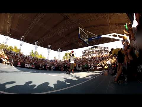 Streetball.ru :: Jus Fly killing dunks on Moscow Open 2012