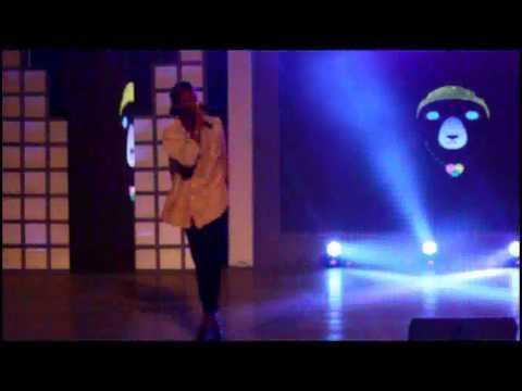 D2R 2013 : Joey B explains '''Tonga'' on stage