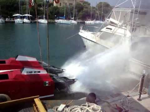 Partenza Catamarano Offshore Victory 120 mph BASE NAUTICA USAI - SARDEGNA ITALY