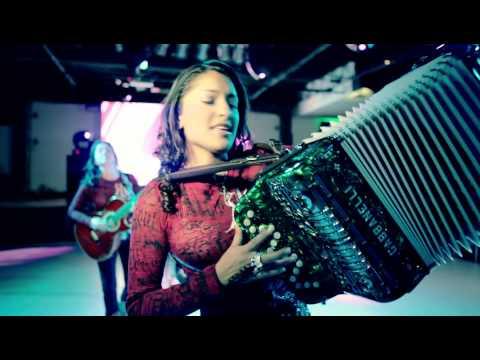 """Las Fénix """"Que no se pare la Fiesta""""  (Versión Banda)  Full HD"""