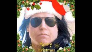 "Glenn Danzig recites ""Twas The Night Before Christmas"""