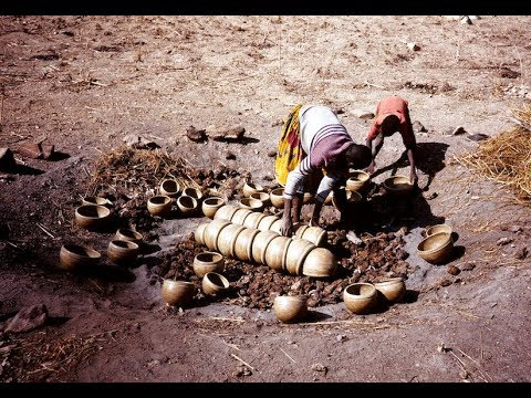 Vessels of the spirits: pots and people in North Cameroon (1990; 50 mins)