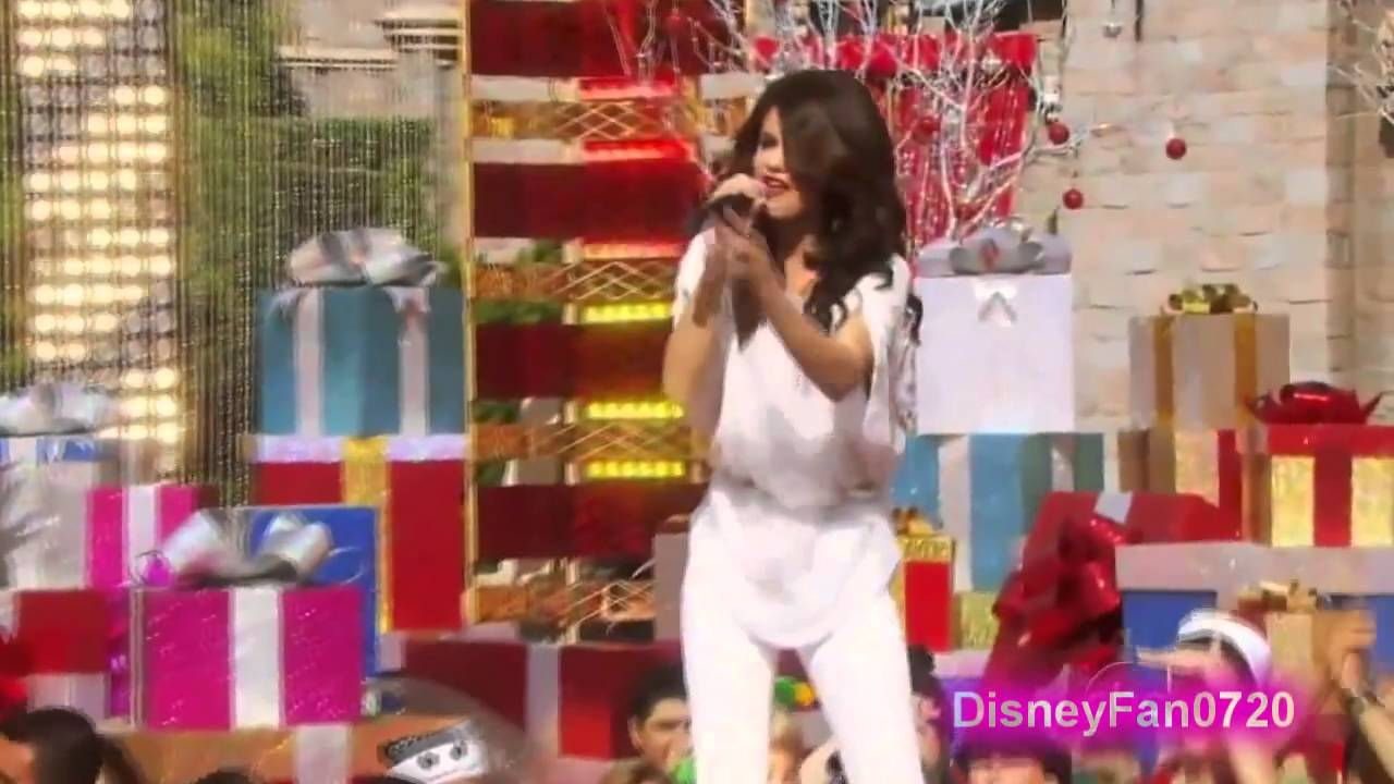 Selena Gomez Winter Wonderland Disney Christmas Day Parade 2010 Live Abc Hd