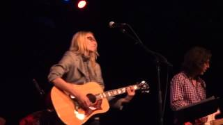"Aimee Mann  Joni-Mitchell ""Free Man in Paris"""