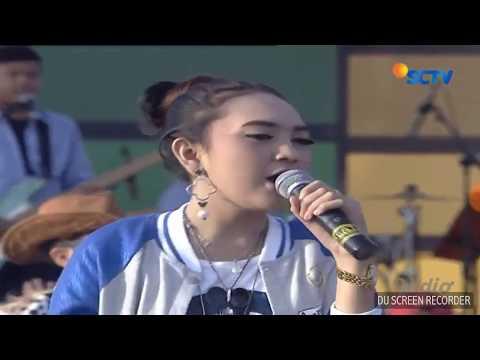 INBOX Pasuruan Jihan audy ft Tasya Rosmala Ngamen5 di live Inbox Pasuruan SCTV