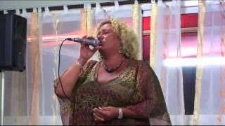 Karaoke: Franca Sulpizii canta DONNE di Mia Martini