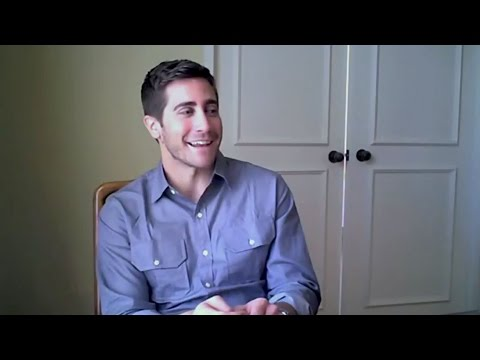 Jake Gyllenhaal talks about SOURCE CODE (2011)