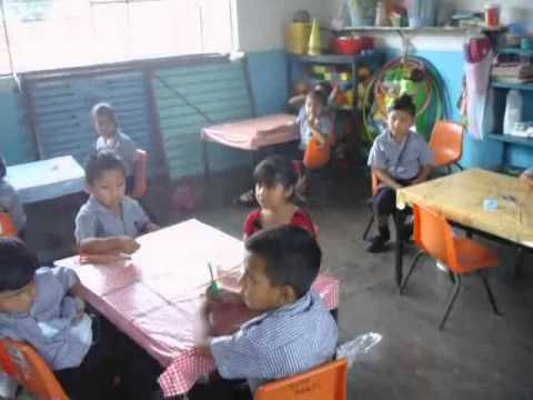 Maestra De Preescolar Dando Clases Youtube