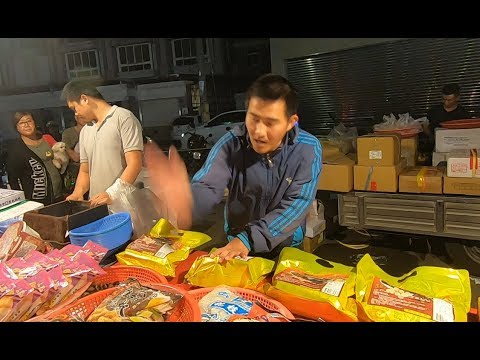Crazy Cheapest SeaFood Auction in Taiwan Changhua Xihu Wednesday Nightmarket