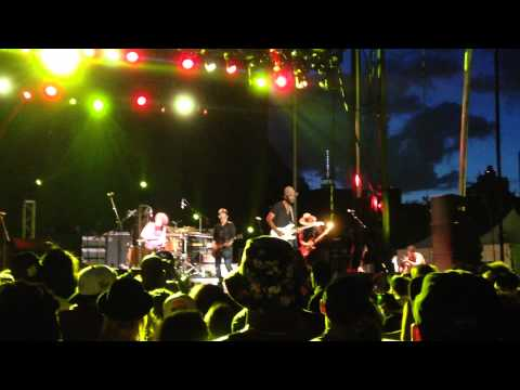 gary-clark-jr---our-love-/-live-at-afro-punk-festival,-brooklyn,-ny-08/23/15