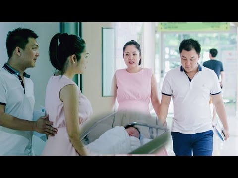 """Dương Cẩm Lynh sinh con trai đầu lòng nặng 3,2kg cho nhà sản xuất """"Mặt nạ máu""""  Người Nổi Tiếng]"""
