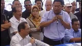 Exco Kerajaan Selangor Ronnie Liu kena booo...(Part 2).flv