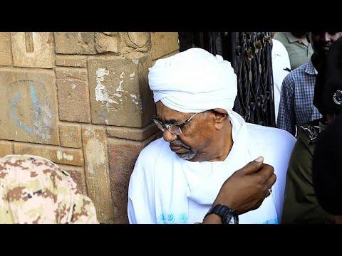 euronews (in Italiano): Sudan: l'ex presidente Omar al Bashir in tribunale