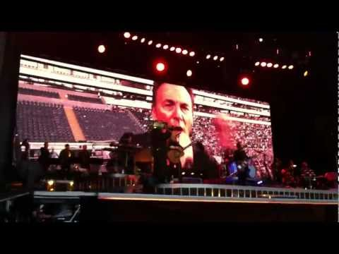 Bruce Springsteen Frankfurt 2012 - Spirit in the Night - Bruce singing in a phone