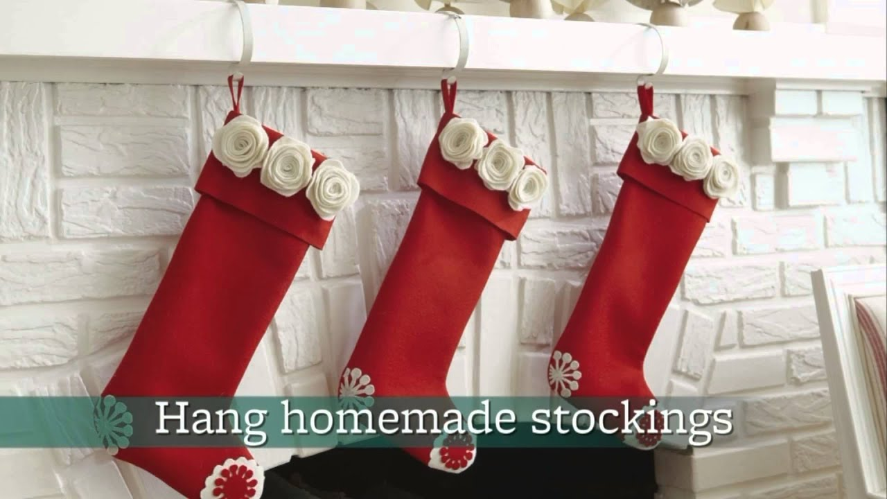 gallery of five easy holiday mantel decorating ideas.