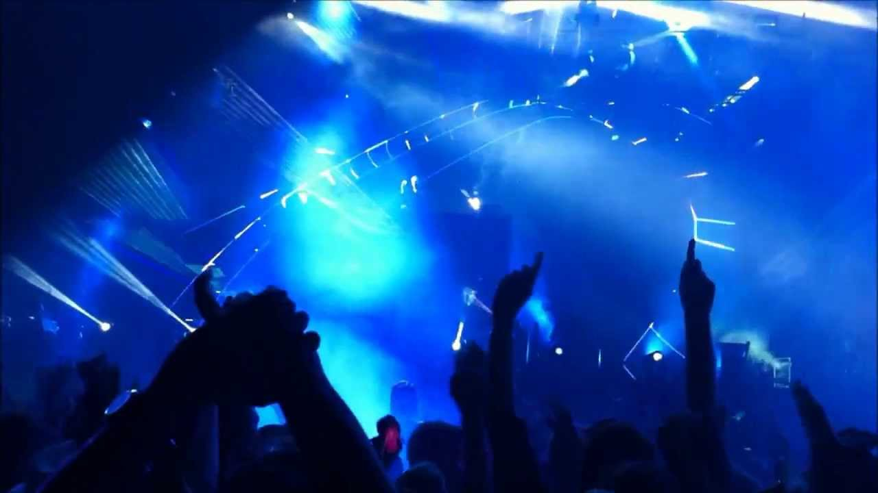 David Guetta - Passenger Song Let her go - LIVE 1/3 - Click2Concert by Telekom 2013