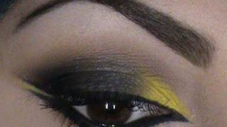 makeup tutorial a gray smokey eye with a hint of yellow