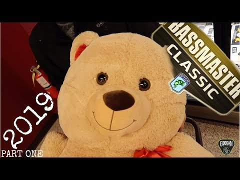 2019 Bassmaster Classic VLOG Practice and GIANT Teddy Bear Challenge