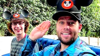 DISNEY WORLD PARADE WITH STAMPY CAT!!!
