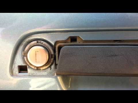 BMW Z3 Door Trim Removal And Install
