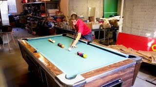 Amazing pool trick shots! (People are Awesome)
