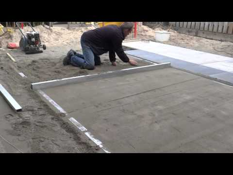 Tuinaanleg: Aanleggen stabilisatiebed voor terras 3