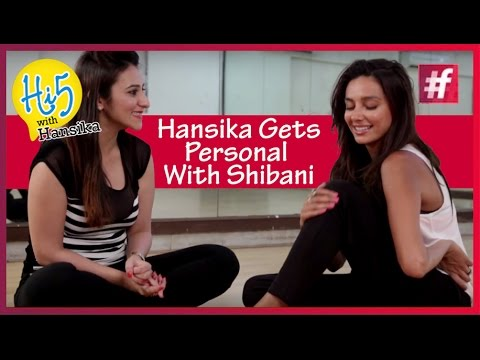 Shibani Dandekar - IPL Anchor | Quick Hi5 Questions with Hansika