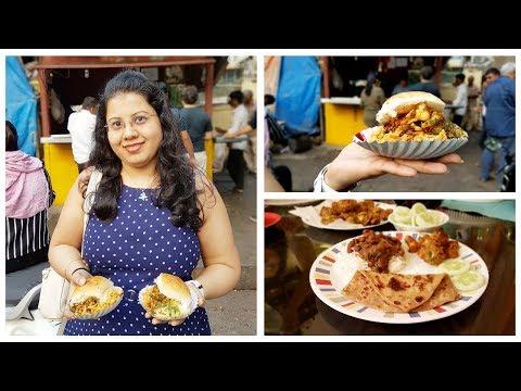 Best Vada Pav in Mumbai | Rajama Curry & Paneer Pakora Recipe | Maitreyee's Passion