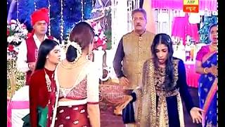 Yeh Hai Mohabbatein: Param sets Mihika's dress on fire