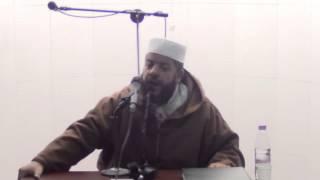 زلزال أثناء كلمة الشيخ موسى عزوني بالأمسية القرآنية في مسجد الرحمة 2014-12-26 بوقرة - الجزائر