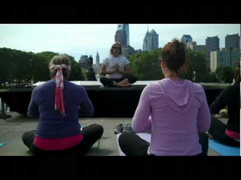 Day 137 of Firsts: Yoga on the Art Museum Steps