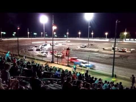 7/22/16 Sycamore Speedway - 25 cars, 25 laps