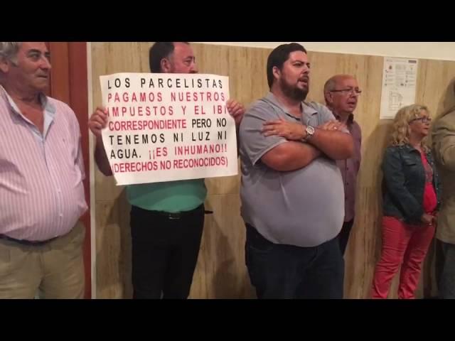 Los parcelistas de El Higuerón han tenido que ser desalojados otra vez del Pleno