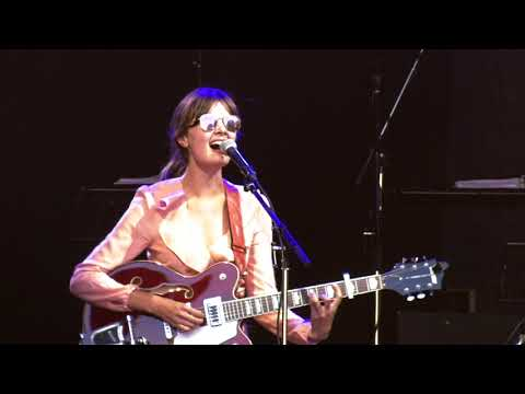 Ella Janes - No Place Like Home (Live at Lincoln Castle)