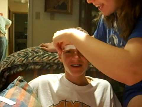 Homemade Eyebrow Waxing - YouTube