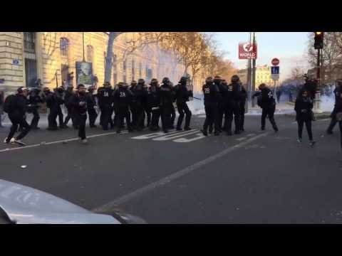 France News 3 -Tear gas and clashes take Paris as anti-police brutality demos continue