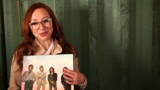Tori Amos record shopping with The Guardian (2014)