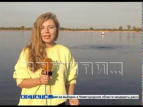 Черные фонтаны забили на Волге в районе Балахны