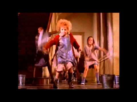 """It's a hard knock life"" ORIGINAL Annie 1982"