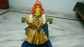 ವರಮಹಾಲಕ್ಷ್ಮಿ ಹಬ್ಬಕ್ಕೆ ದೇವಿಗೆ ಸೀರೆ ಉಡಿಸುವುದು ಹೇಗೆ ಕಳಶಕ್ಕೆ ನೋಡಿ.... how to dress varamahalakshmi Devi