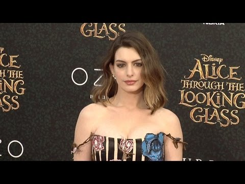 """Anne Hathaway """"Alice Through the Looking Glass"""" Premiere Red Carpet thumbnail"""