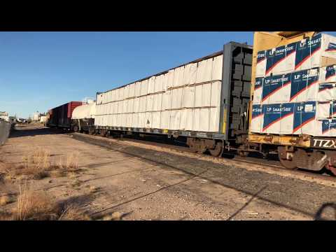 Union Pacific 835 Delivering Lumber Cars To The UFP South Yard